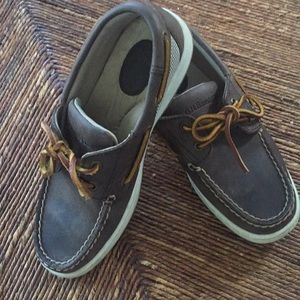 Bass Boys' leather boat shoes